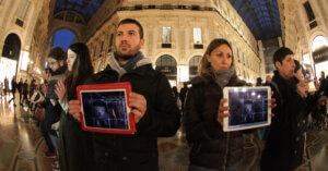 A Milano la prima VIDEO.MOB per dire STOP PELLICCE
