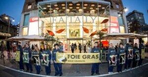 "Protesta davanti a Eataly: ""Stop al Foie Gras!"""